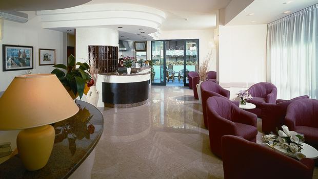 hotel_ascot_pic1